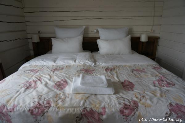 ホテル「マルーシャ」ベッド画像