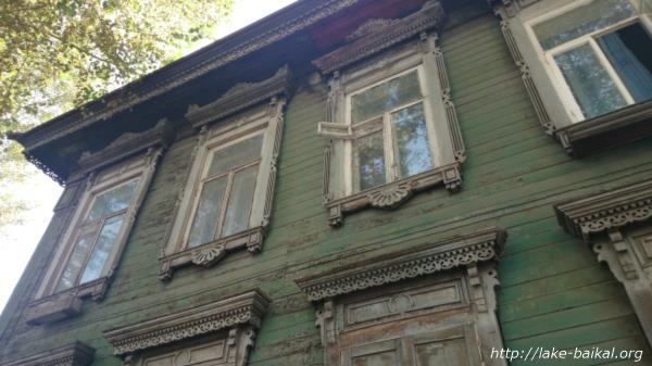 イルクーツク木造建築古い時代の窓枠画像